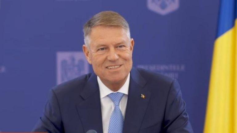 """Dani Oțil reacție dură în cazul """"scandalului"""" tunsorii lui Klaus Iohannis: """"Trebuia să veniți lățos ca noi"""