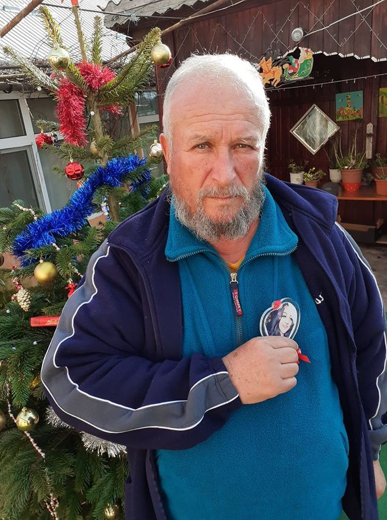 """Bunicul Luizei Melencu e sfâșiat de durere! Bărbatul postează fotografii cu nepoțelul Luizei: """"Vreau să mă cunoști, te rog, Luiza"""""""