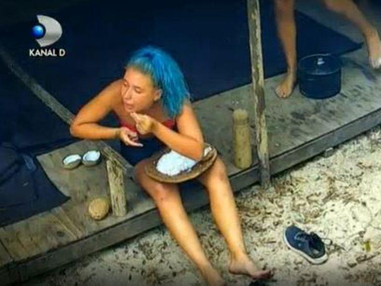"""Glume fără perdea despre """"banana lui Iancu"""" la Survivor România! Ce au putut să zică Elena și Emanuel despre Emy!"""