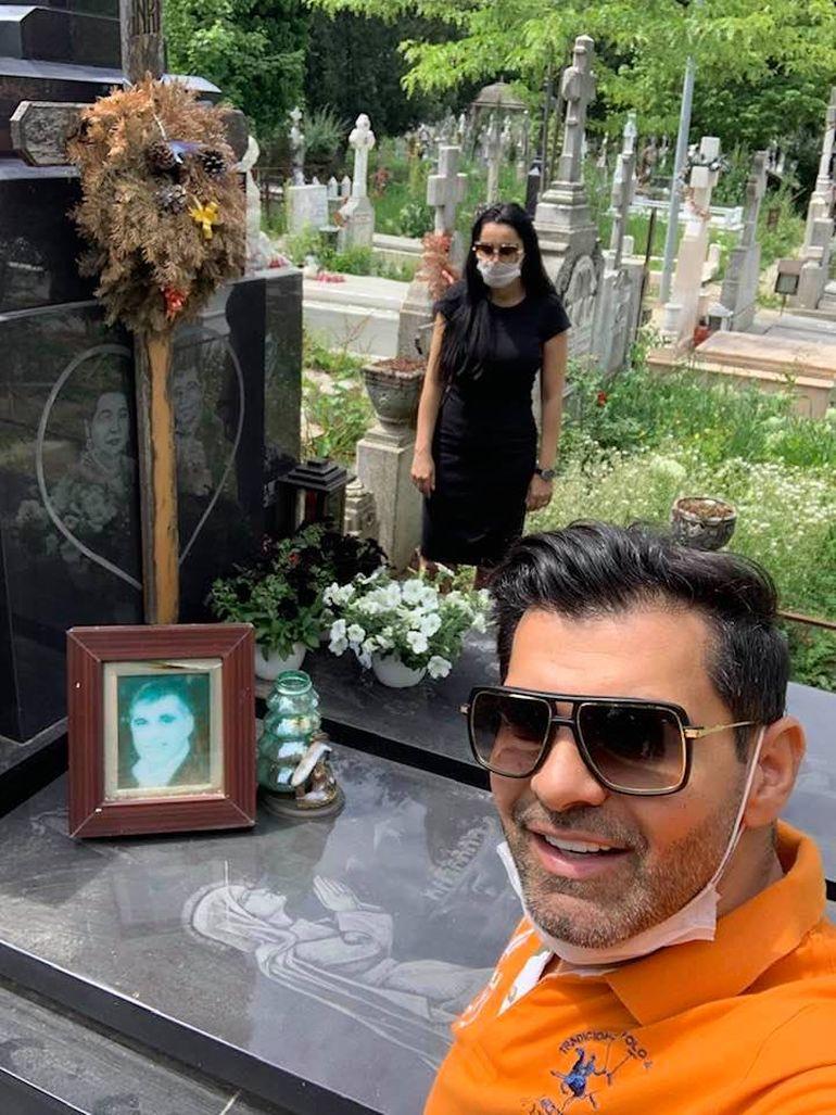 """Echipat regulamentar, Florin Pastramă a mers cu Brigitte la mormântul tatălui! """"Te iubim mult"""" FOTO"""