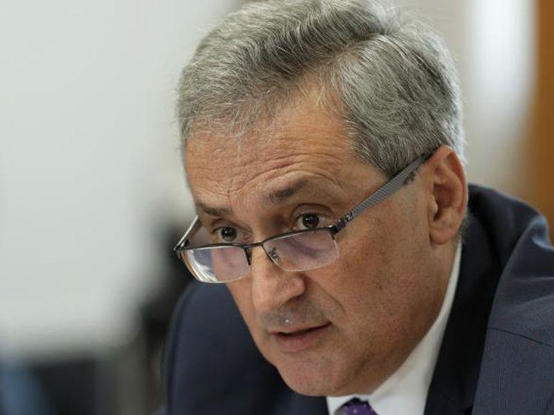 Marcel Vela le răspunde românilor. Ce a spus ministrul despre petrecerile în apartament?