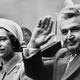 """Cum s-a ascuns Regina Elisabeta de Nicolae Ceaușescu, într-un tufiș din grădina Palatului Buckingham: """"A fost prima și singura dată în viața ei când a trebuit să facă asta"""""""