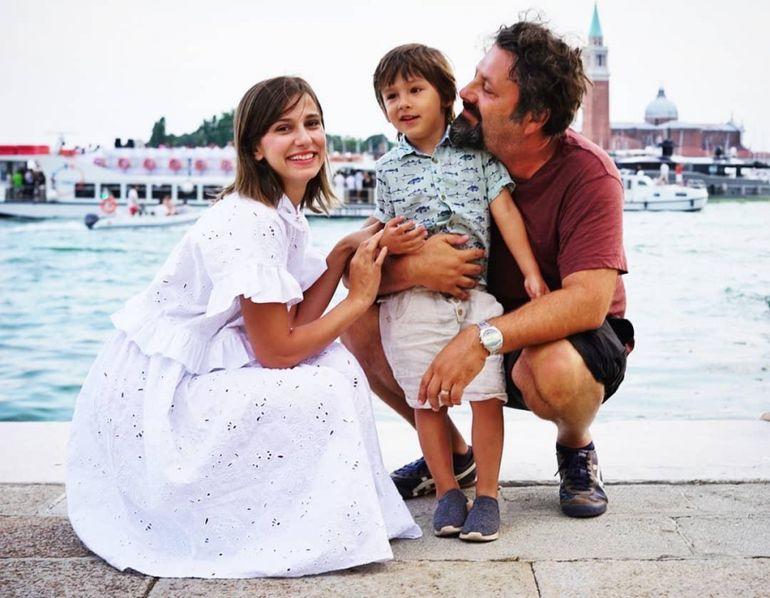 Dana Rogoz a postat prima fotografie cu fetița ei. Cât de frumoasă e micuța Lia Elena. Fanii au reacționat imediat