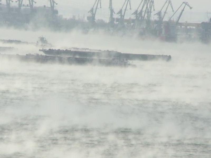 VIDEO | Fenomen spectaluos în Galați! Dunărea a dat în clocot