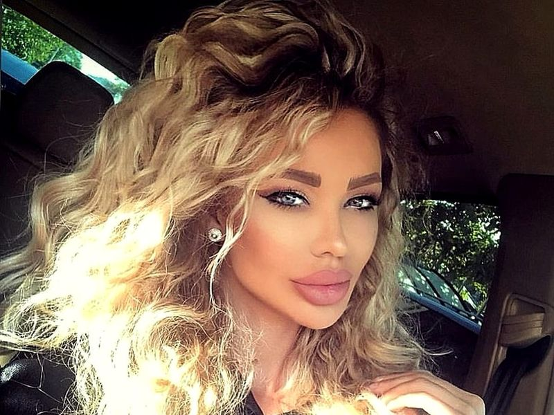 Problemele se țin lanț de Bianca DRăgușanu după despărțirea de Alex Bodi.