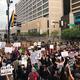 Proteste în SUA după moartea lui George Floyd. Demonstraţii paşnice, cu muzică şi dans, în majoritatea oraşelor. Poliţia din Seattle a intervenit violent - VIDEO