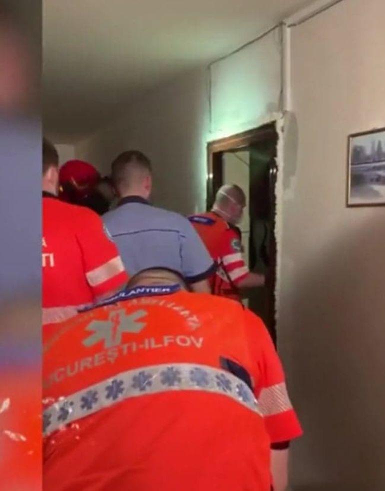 """Primele imagini de la apartamentul lui Costin Mărculescu! Actorul a murit. Cum a fost găsit actorul de către ambulanțieri: """"Câinele lui lătra"""""""