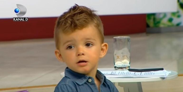 """Elena Ionescu, prima apariție la televizor cu fiul ei Răzvan. Cum s-a schimbat relația lor după Survivor: """"Când vede că plec de acasă plânge"""""""