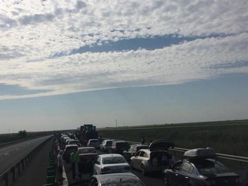 Circulație restricționată în drumul spre mare! Accident cu trei mașini