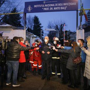 UPDATE Imaginile groazei cu incendiul de la Matei Bals! Bilantul a ajuns la 5 persoane DECEDATE! Actorul Toni Grecu se afla internat in spital in momentul incendiului