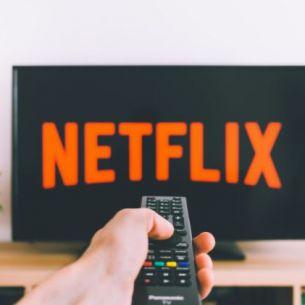 Ce filme și seriale apar în luna martie pe platforma Netflix