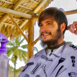 Albert Oprea de la SURVIVOR ROMANIA 2021 si-a ras barba! Roxana nu l-a mai recunoscut: