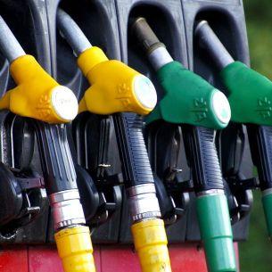 Lovitură imensă pentru cei cu mașini pe benzină! Dezastru pentru toți șoferii