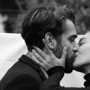 Viata bate filmul! Ei sunt actorii turci care s-au indragostit pe platourile de filmare iar povestile lor de iubire s-au mutat si dincolo de micile ecrane!