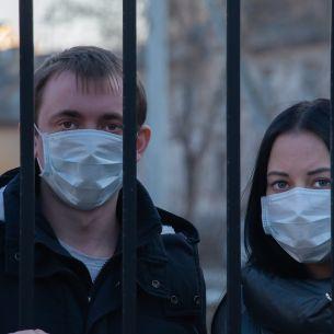 Restricțiile revin în România începând cu 26 august! Ce este interzis să facem