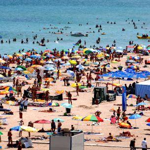 Care este cea mai ieftină stațiune de pe litoral? Românii au luat cu asalt plajele la sfârșit de sezon