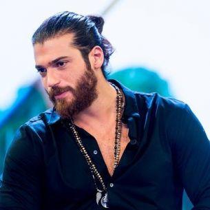 Can Yaman, unul dintre cei mai frumosi actori turci, traieste o noua poveste de dragoste cu o superba actrita din Italia