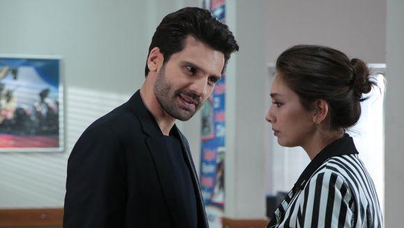 """Nihan, pe cale sa afle secretul lui Zeynep, dupa ce tanara se ascunde in casa fratelui ei, Kemal! Azi, in """"Dragoste infinita"""", de la 20.00, la Kanal D"""