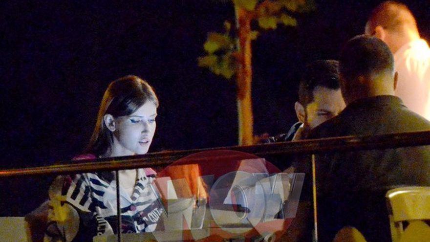 """Iulia Albu, cina romantica cu iubitul, la un restaurant de fite din Capitala! Vezi cum s-a imbracat jurata """"Bravo, ai stil!"""" Si-a luat si cainele cu ea"""