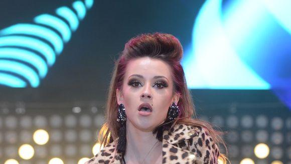 Ana Maria Barnoschi, ipostaze periculos de sexy pe scena de concert!