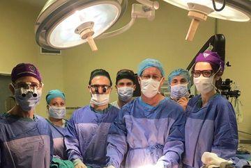 """Si-a pierdut """"barbatia"""" intr-un accident medical iar doctorii i-au facut un transplant de la un alt barbat. Operatia a decurs bine, insa cand a ridicat patura si a vazut ce i-au atasat in timpul operatiei a ramas cu gura cascata: """"Dumnezeule, de la ce spe"""
