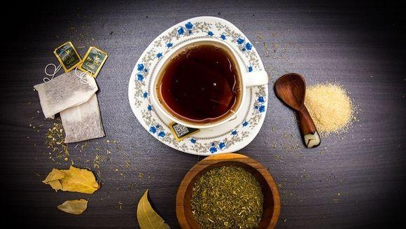 Cel mai sanatos ceai din lume: Scade colesterolul, detoxifica ficatul si previne cancerul