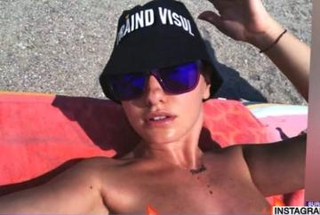 Alexandra Stan face plaja topless la Constanta! Iata cat de sexy este artista si cum si-a uluit fanii!