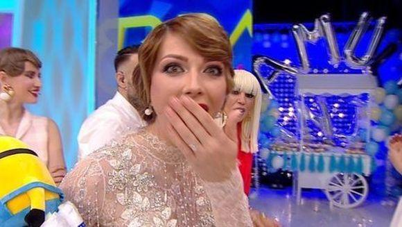 Ilinca Vandici, copleşită de emoţii în ultima ediţie pe care a prezentat-o! Vedeta a intrat în prenatal