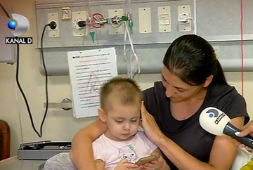 Povestea cutremuratoare a unei fetite de numai doi ani, care lupta pentru viata ei! Micuta Giulia se afla de cateva luni intr-un spital din Turcia, unde medicii se straduiesc sa-i vindece boala cumplita de care sufera!