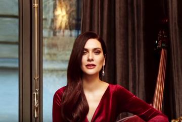 Actrita BERGUZAR KOREL, schimbare spectaculoasa de look! Iata cum arata frumoasa sotie a celebrului Halit Ergenc si unde isi va petrece vacanta alaturi de familia sa!