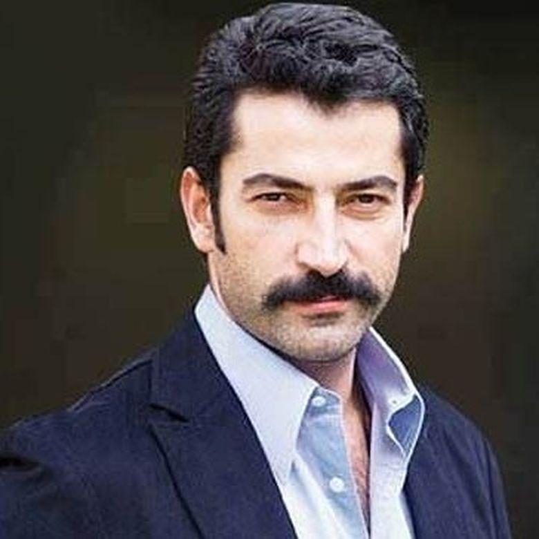 """""""Ezel"""" a dansat la nunta lui """"Kemal"""" din """"Dragoste infinita""""! Imagini unice cu actorul Kenan İmirzalıoğlu dansand, pe melodii traditionale, cu Burak Ozcivit"""
