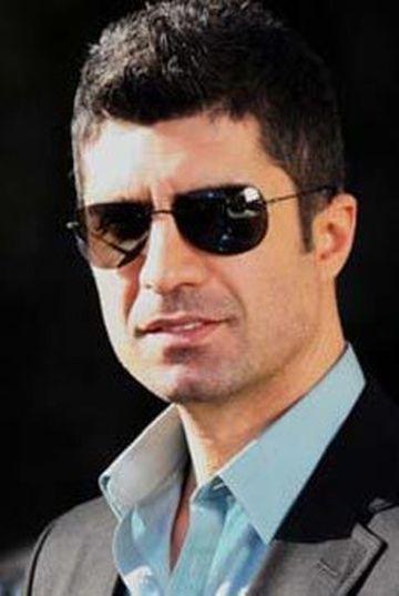 """Ozcan Deniz a dat lovitura! Va juca alaturi de doua dintre cele mai frumoase actrite din Turcia! Pe una i-a """"furat-o"""" lui Burak Ozcivit de sub nas! Uite despre cine este vorba"""