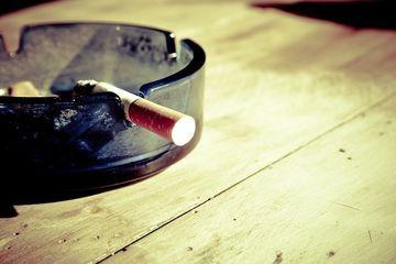 Cum te poate ajuta telina sa te lasi de fumat!