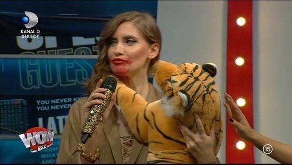 WOW sau BAU?! Iulia Albu a dat verdictul! Iată cine a gafat şi a primit trofeul BAU!