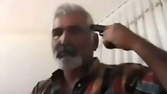 Video SOCANT! S-a impuscat in cap, LIVE pe Facebook, pentru ca fata lui s-a casatorit fara sa ii ceara voie. Ce le-a transmis fetei si mamei acesteia