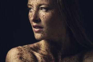 Ce simptome ale cancerului apar numai la femei!