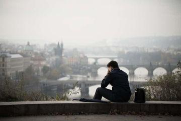 De ce nu e bine să fii singur sau să trăieşti în singurătate?