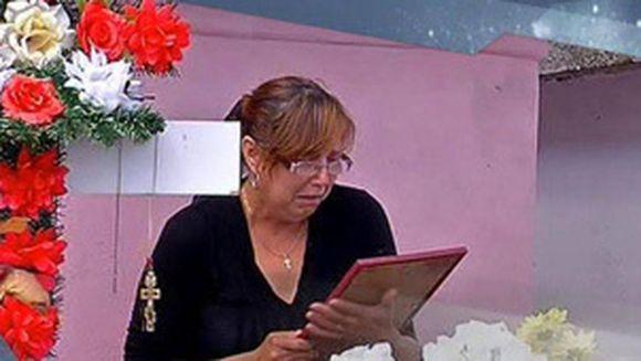 """Mama Denisei Raducu, reactie dupa ce i-a vazut la TV pe Ticy şi pe sotia lui: """"Sunt terminata! Am avut un inger de copil! Nu-mi vine sa cred!"""""""