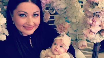 Cum a imbracat-o Gabriela Cristea pe fetita ei la o iesire in restaurant cu prietenii! Micuta Victoria a fost cuminte si toata lumea a indragit-o!