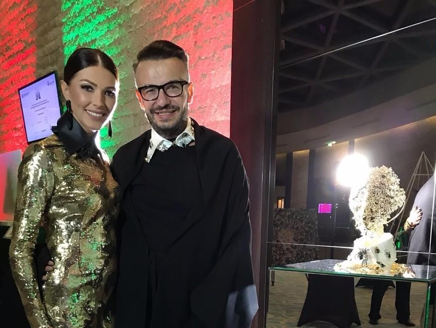 Razvan Ciobanu si Ilinca Vandici, la Festivalul Brazilor de Craciun, in beneficiul copiilor care au nevoie de ajutor