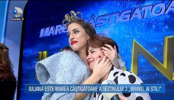 """Mama Iulianei, in lacrimi in platoul """"Bravo, ai stil!"""" Uite cum a reactionat cand si-a vazut fata purtand coroana castigatoarei"""