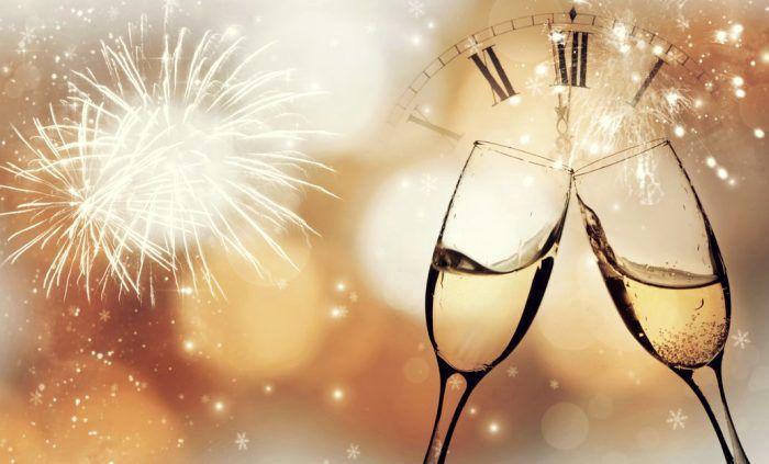 Superstitii si obiceiuri de Revelion! Iata ce trebuie sa faci pentru a avea noroc in dragoste si pentru a atrage prosperitatea si bucuria in casa ta!