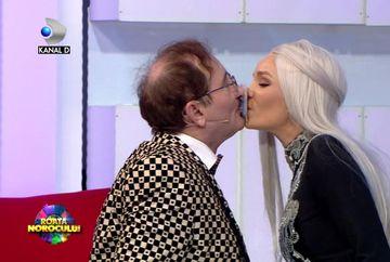 Maria Constantin si Cornel Palade, sarut neasteptat! Iata cum s-au descurcat vedetele la cea mai haioasa pedeapsa pregatita de Ana si Bursucu!
