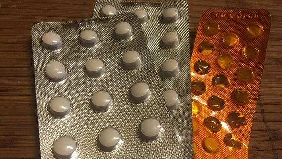Daca iei aceste medicamente, opreste-te imediat, poti ajunge in spital din cauza lor! Se gasesc la toate farmaciile si sunt foarte periculoase, uite despre ce este vorba