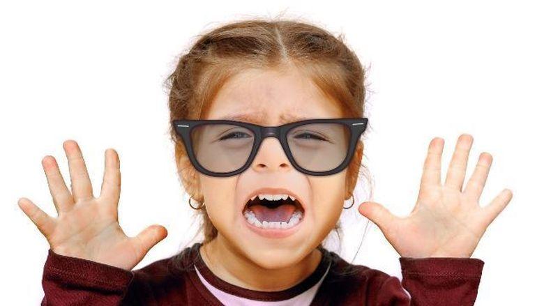 Vrei sa scapi de ochelarii de vedere si sa treci la lentile de contact? Iata cele mai frecvente intrebari pe care le-ai putea avea!