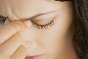 Primele simptome ale encefalitei. Mergi de urgenta la medic