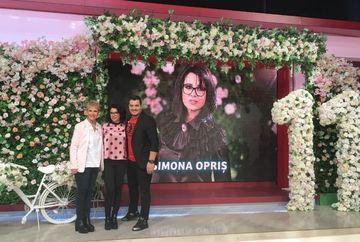 Simona Opris, paper flower designer, a decorat cu mii de flori din hartie platoul Teo Show la aniversarea de 11 ani a Kanal D
