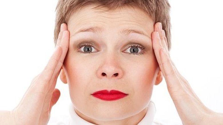 3 posibile cauze ale durerilor tale de cap