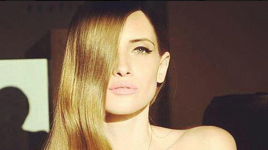 """Iulia Albu a marturisit ce fel de mama este: """"In viata este bine sa pui cat mai putine restrictii"""". Uite cat de frumoasa este fiica vedetei Kanal D"""