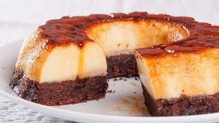 Reteta pentru Florii: Tort cu crema de zahar ars
